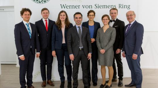 Von links: Jan Fischer-Wolfarth, Sebastian Banescu, Julia Vinogradska, Michelangelo Villano, Lisa Schmöger, Veronika Schleper, Lorenz Schmitt, Joachim Ullrich